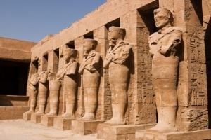 Estátuas de Ramsés II como Osíris, Templo de Karnak